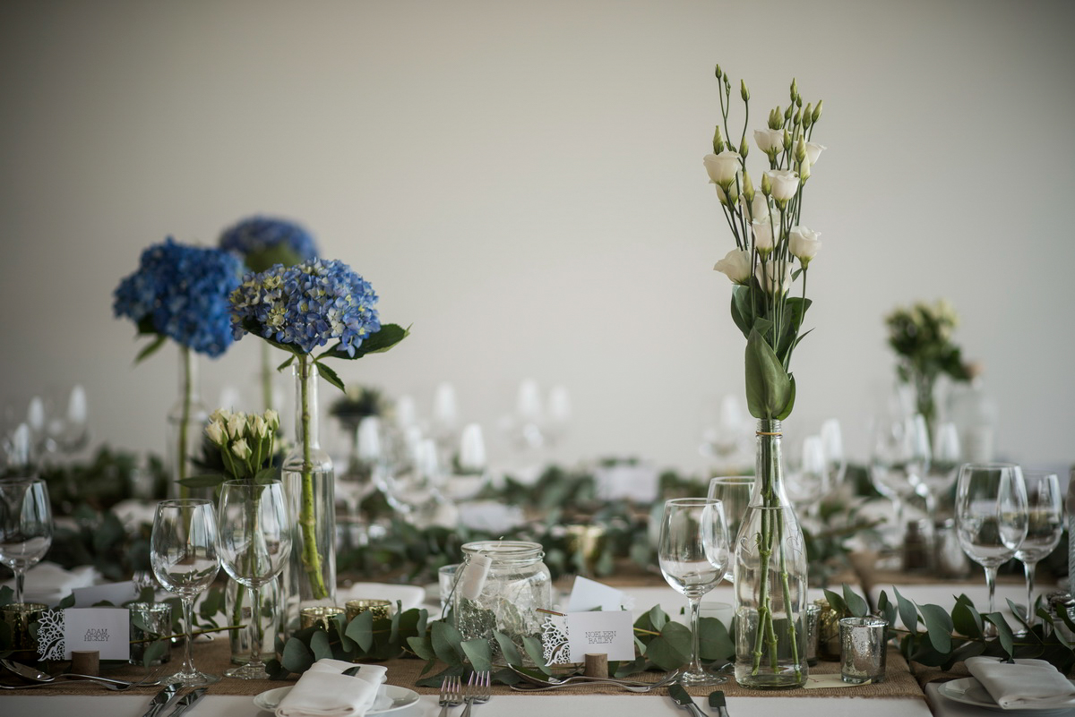 blue_hydrangea_table_decoration.jpg
