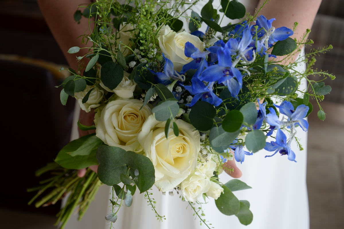 blueflowers_bridalbouquet_ww5062.jpg