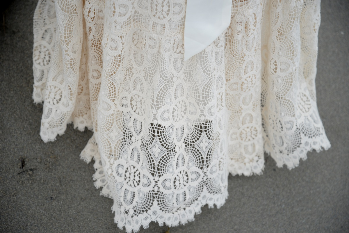d-wedding-dress-details-lace-sand-beach.JPG