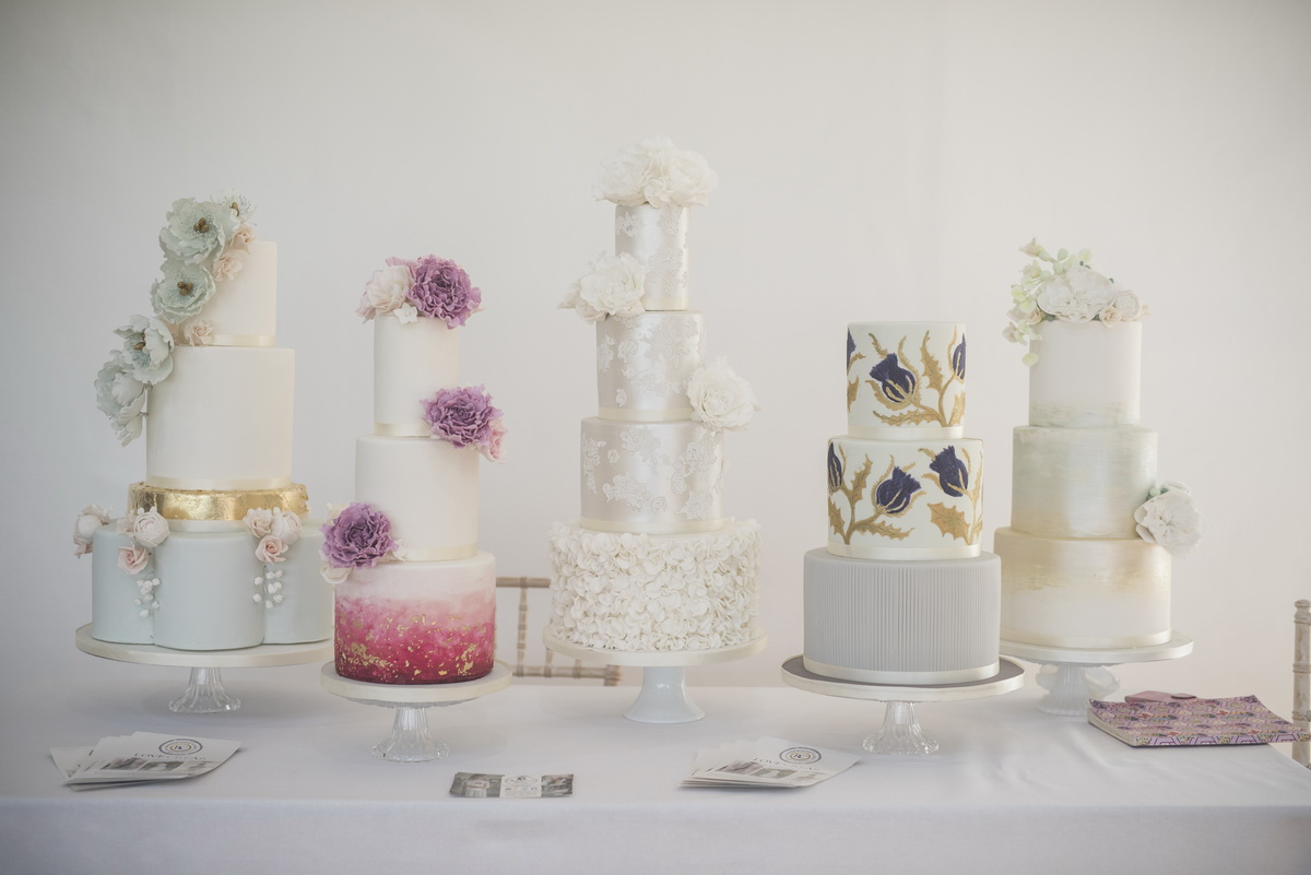 Wedding Cake Crear Tips and Hints