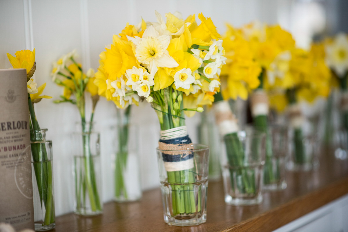 daffodils-table-decoration.jpg