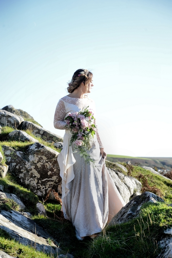 D-bride-wedding-dress-bouquet-rocks.jpg