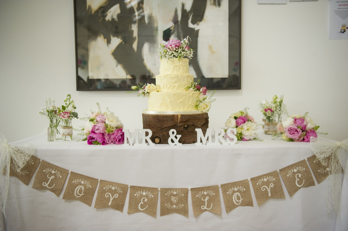 cake-bunting-table-pink-cream-flowers-e.jpg