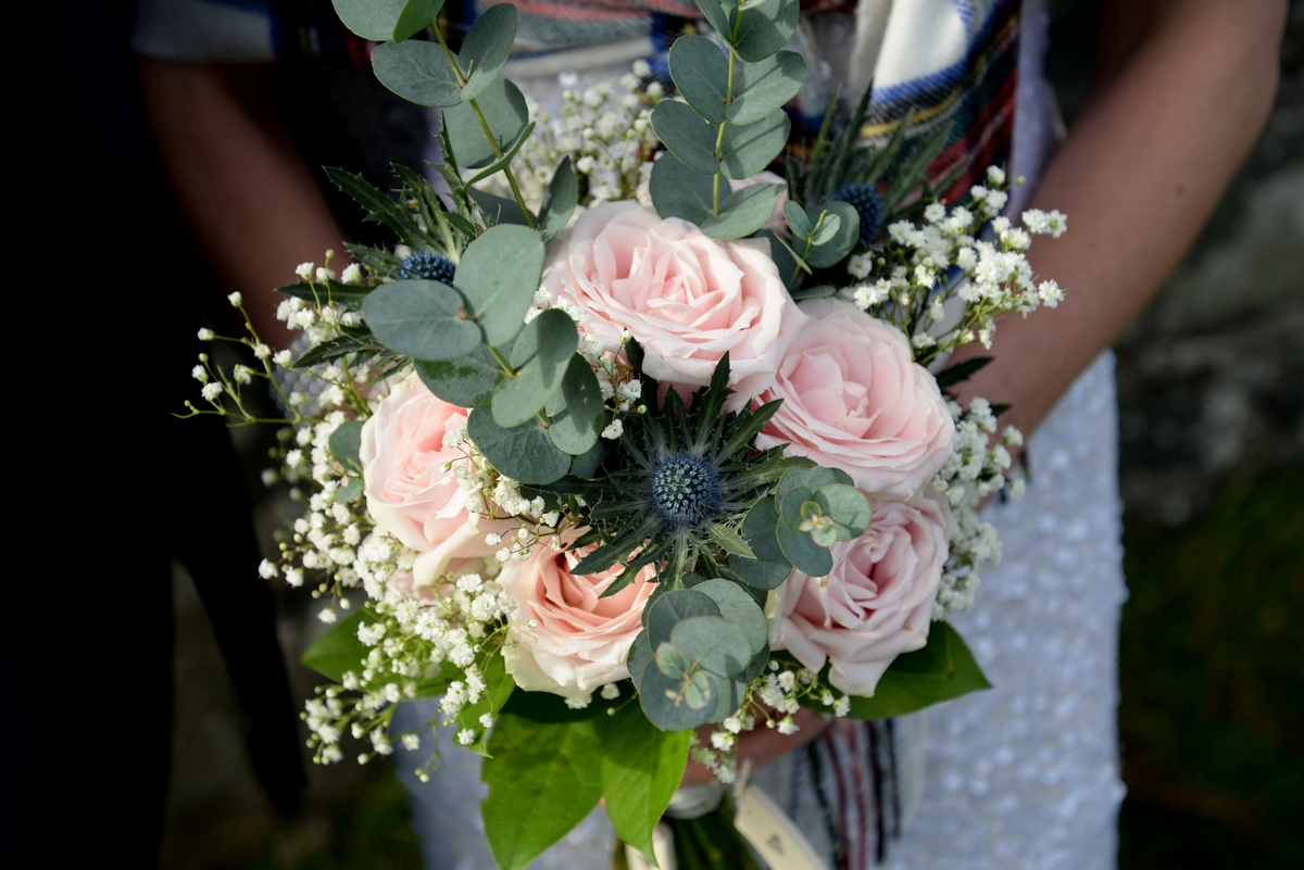 A-bouquet-pink-roses-flowers-floral.jpg