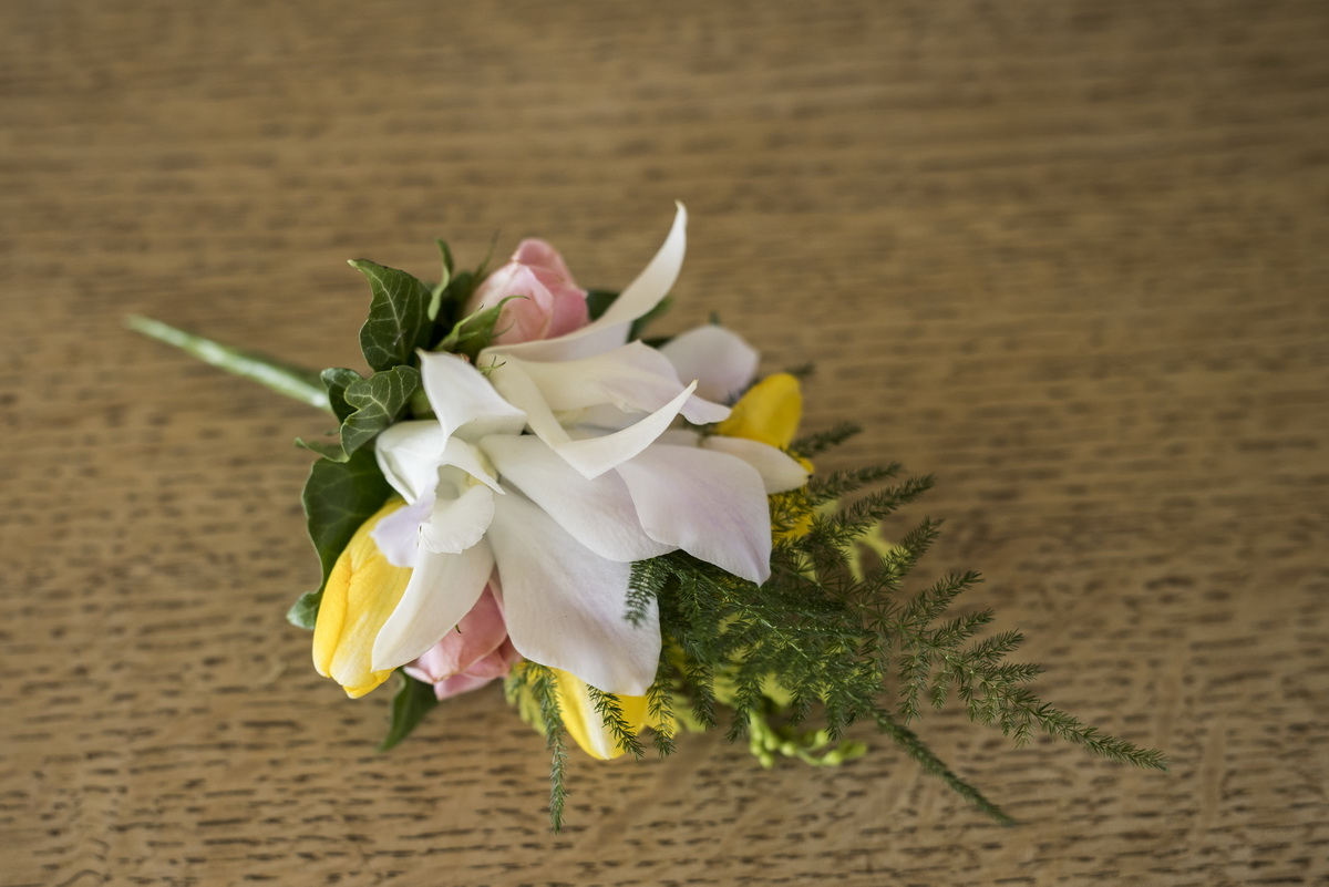 summer_buttonhole_crearweddings.jpg