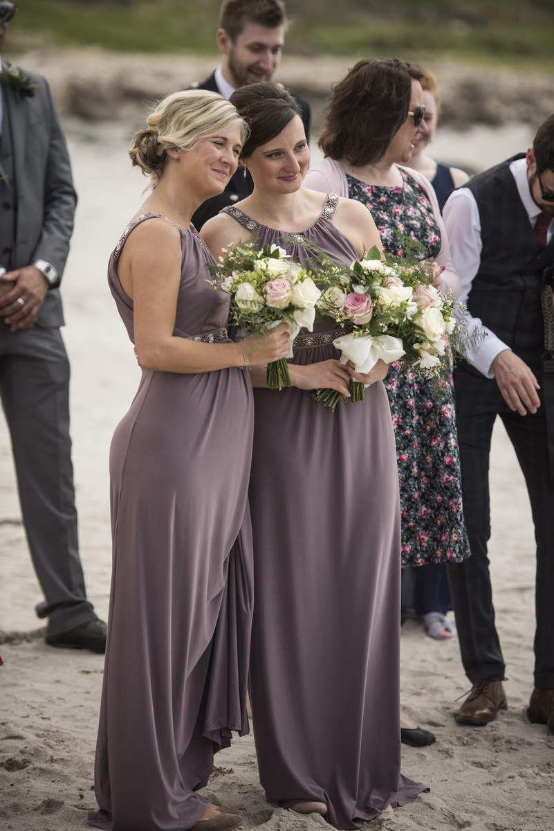 bridesmaidsbeachwedding.jpg